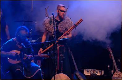 Koen getting his flute ready!